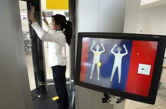 Aéroports : Les radiations des scanners corporels sans danger