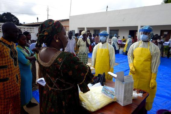 Ebola : le risque de transmission au contact d'un survivant est faible