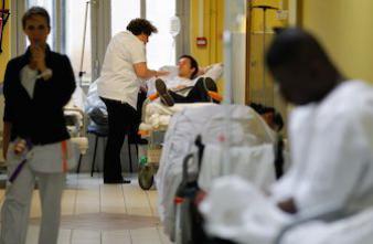 Hôpital : les urgences saturées font mieux que les services désertés
