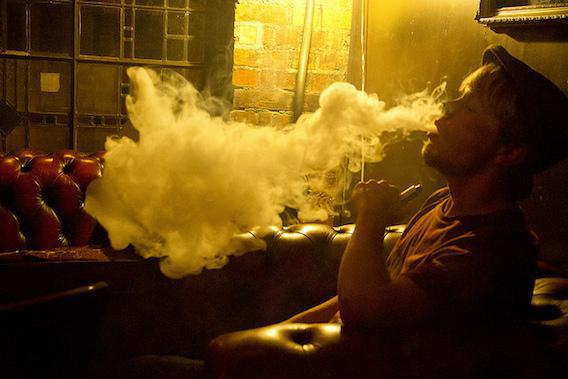 E-cigarette : les non-fumeurs ne sont pas des vapoteurs