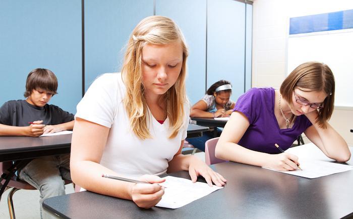 Rythme scolaire : commencer plus tard serait bénéfique pour l'économie