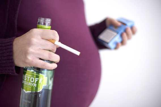 Pays anglo-saxons : une majorité de femmes boit pendant la grossesse