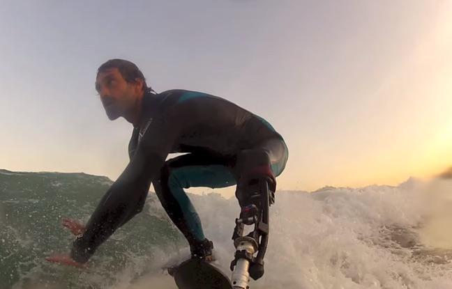 Un surfeur amputé conçoit une prothèse pour sportifs