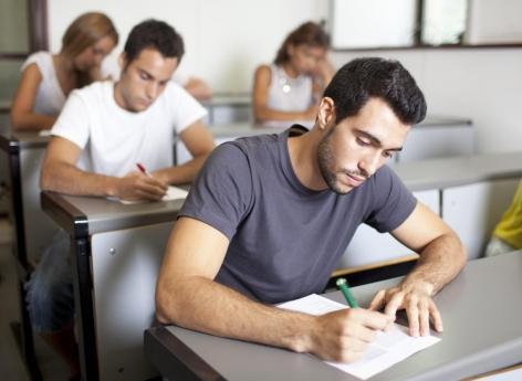 Report des concours pour les étudiants :