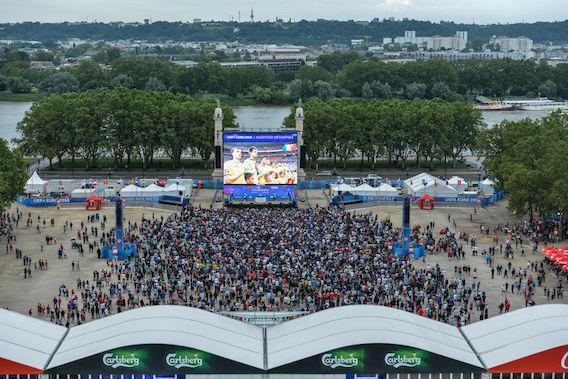 Euro 2016 : Bordeaux prévient les débordements liés à l'alcool