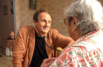 Les professionnels de santé plus heureux au travail que le reste des Français