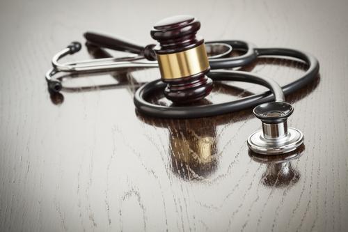 Septicémie : deux médecins poursuivis après le décès de Camille