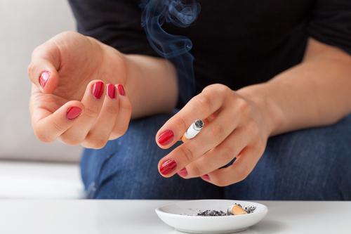 Infarctus : les fumeurs de moins de 50 ans sont les plus vulnérables