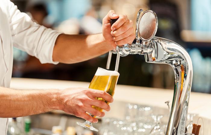 Alcool : le cerveau trinque dès 2 verres par jour