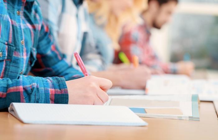 Tours : 1 800 étudiants infirmiers doivent repasser une épreuve