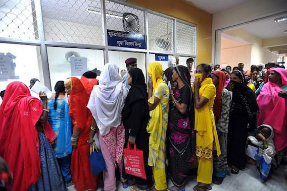 VIH : plus de 2 000 Indiens contaminés par transfusion sanguine