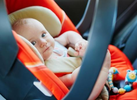 Des composants des sièges auto jugés toxiques pour le cerveau des enfants