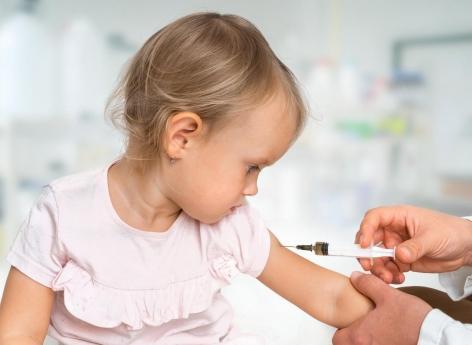 Enfants non-vaccinés : quelle politique les pédiatres doivent-ils adopter? - Pourquoi Docteur ?