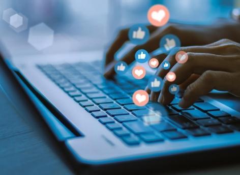 Masquer les « like » : comment la recherche de popularité sur les réseaux peut peser sur la santé mentale