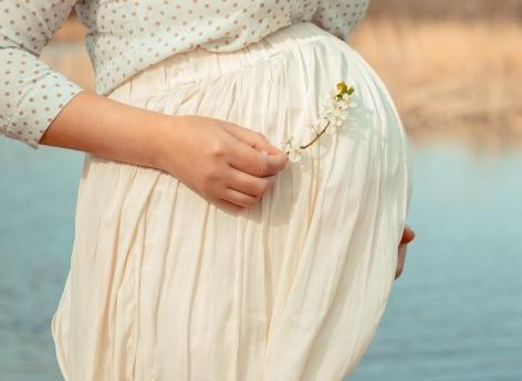 Une femme tombe enceinte de deux paires de jumeaux dans deux utérus différents