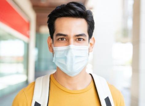 Covid-19 : malgré le vaccin, le port du masque reste de rigueur