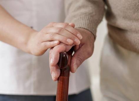 Les hommes recevant des soins à domicile de la part de leur compagne sont plus susceptibles de se sentir honteux