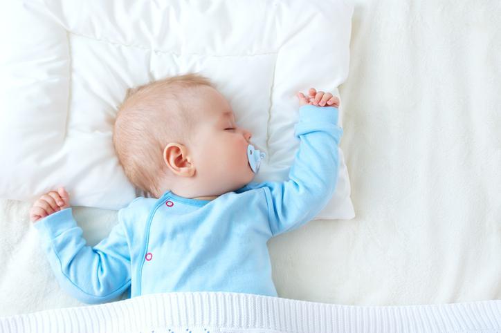 La nourriture solide avant 6 mois a un effet positif sur le sommeil des nourrissons