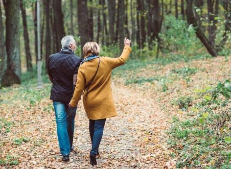 Longévité: l'environnement et le statut socio-économique jouent un rôle majeur