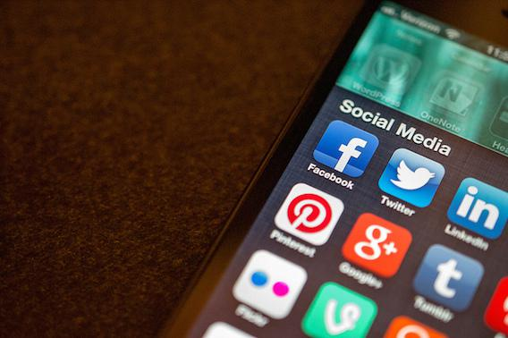 L'usage fréquent des réseaux sociaux double le risque de se sentir seul
