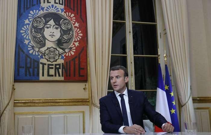 Emmanuel Macron proclame l'égalité homme-femme, grande cause du quinquennat. On commence par le coeur?