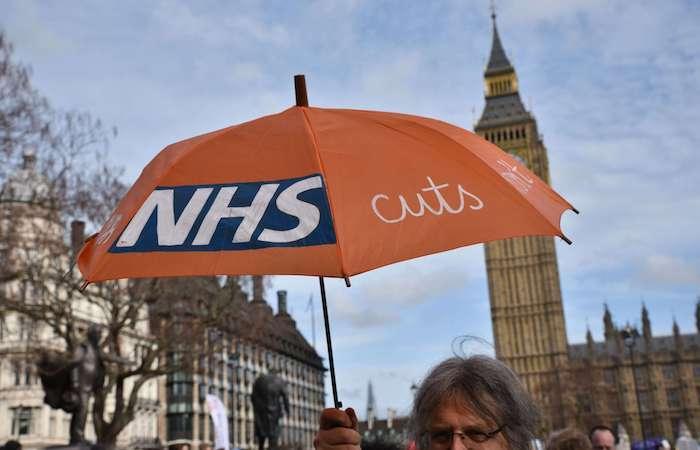 Système de santé : 43 % des Anglais critiquent le NHS