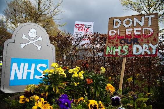 Crise du NHS : les patients victimes du système de santé anglais