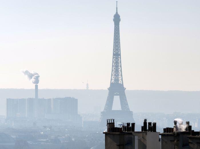 pollution de l 39 air une parisienne d pose un recours contre l 39 etat. Black Bedroom Furniture Sets. Home Design Ideas