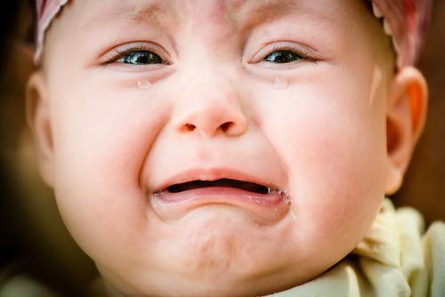 Les pleurs des bébés affectent le cerveau des parents