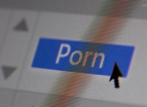 Sites pornographiques : le Sénat vote pour imposer un contrôle de l'âge