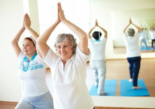 Yoga : une légère efficacité dans la lombalgie