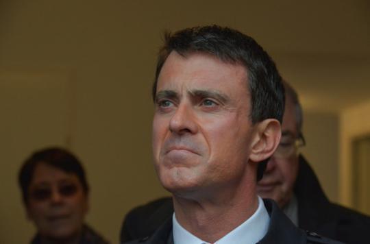 Médecins : Manuel Valls veut en finir avec les dépassements d'honoraires