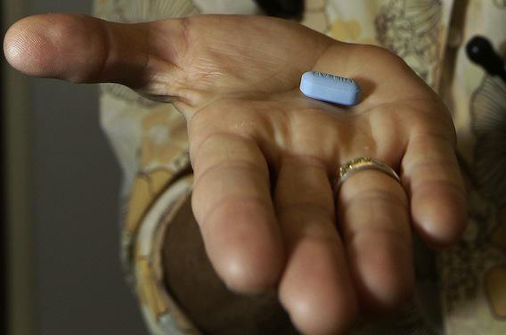 Prévention du SIDA : des experts réclament un accès rapide au Truvada