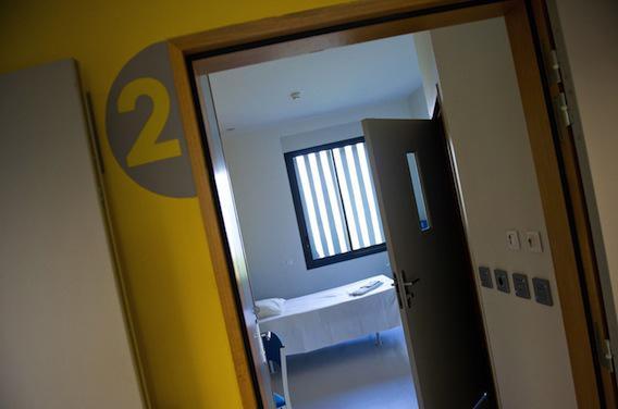 Prisons : les droits des détenus hospitalisés bafoués