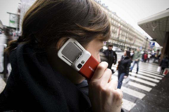 Sécurité routière : 8 % des piétons envoient des textos en traversant