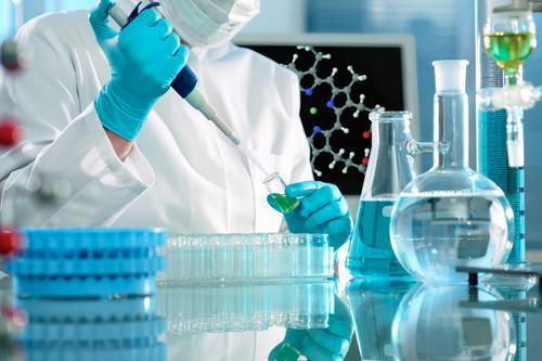IBM : une molécule géante fait barrage aux virus