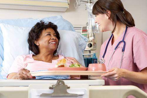 Hôpital : soigner les repas pour lutter contre la dénutrition