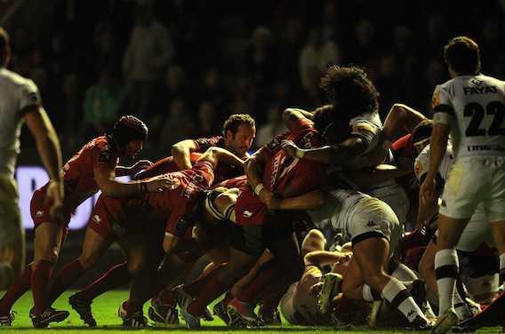 Rugby : la moitié des joueurs professionnels souffre de lésions cervicales