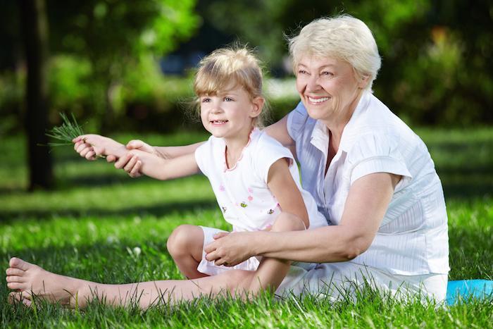 Altruisme : les seniors seraient de bons samaritains