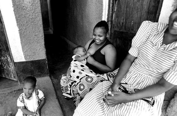 Sida : traiter les bébés pendant l'allaitement les protège du VIH