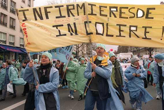 Grève : les infirmières dénoncent la cure d'austérité à l'hôpital
