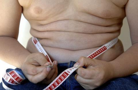 Obésité : les parents minimisent le poids de leur enfant