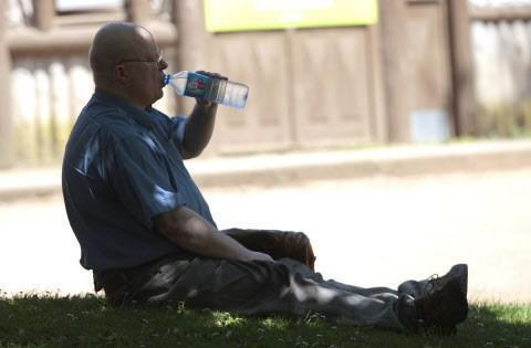 Canicule : surveiller la sudation des personnes âgées