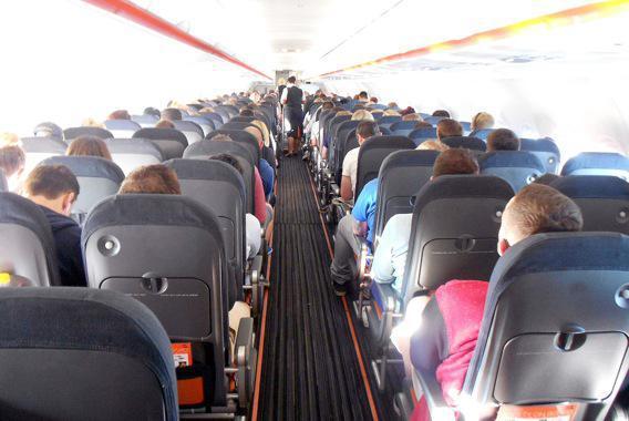 Rougeole : tous les passager d'un vol exposés au virus