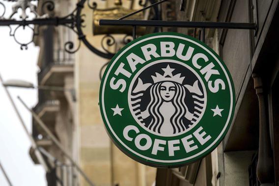 Starbucks et Costa : jusqu'à 25 cuillères de sucre par boisson