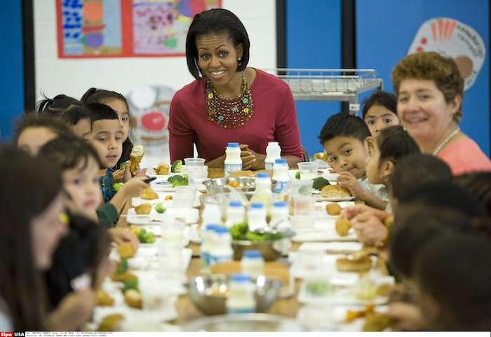 Cantines : Trump annule les règles «santé» de Michelle Obama