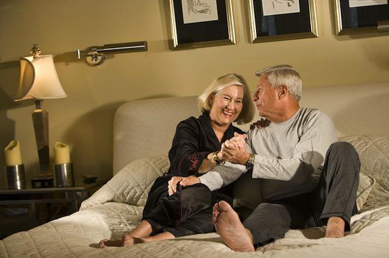 Sexe : les seniors échangent sur internet