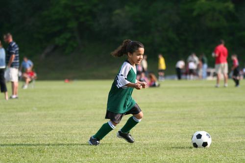 Plus de sport chez les filles dope leur capital osseux