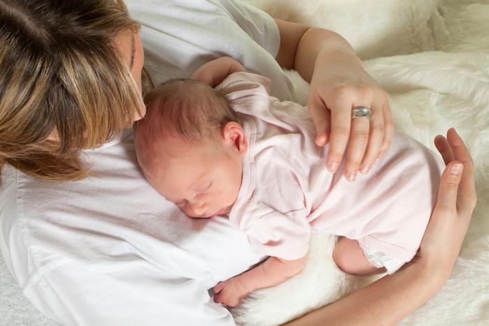Co-sleeping : bébé doit rester dans son lit !