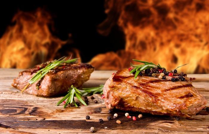 Un gène présent dans la viande rouge pourrait nourrir le cancer